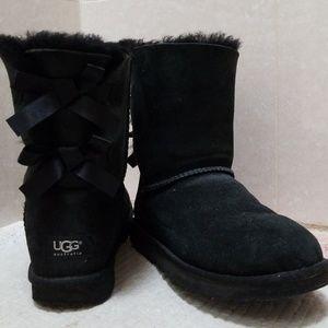 Ugg Australia Black Bailey Bow boots size 7